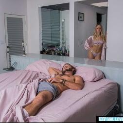 Khloe Kapri in 'Naughty America' opens her 'backdoor' to her boyfriend for their anniversary (Thumbnail 56)