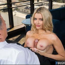Linzee Ryder in 'Naughty America' pulls all the strings and gives the boss her juicy wet pussy to get more hours (Thumbnail 12)
