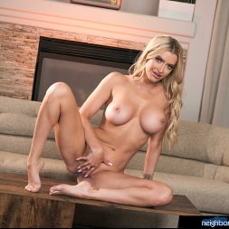 Linzee Ryder in 'Naughty America' Neighbor Affair (Thumbnail 132)
