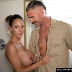 McKenzie Lee in 'Naughty America' gets fucked with her big tits (Thumbnail 26)