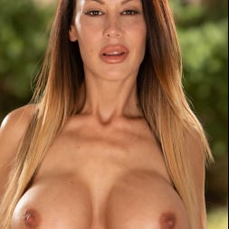 McKenzie Lee in 'Naughty America' gets fucked with her big tits (Thumbnail 156)