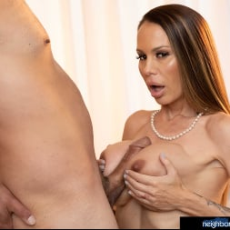 McKenzie Lee in 'Naughty America' is ready to open her pussy and get fucked!!! (Thumbnail 30)