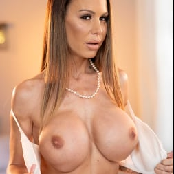 McKenzie Lee in 'Naughty America' is ready to open her pussy and get fucked!!! (Thumbnail 110)