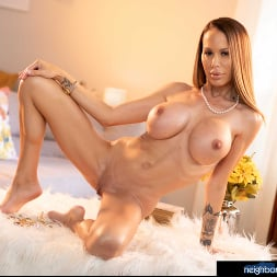 McKenzie Lee in 'Naughty America' is ready to open her pussy and get fucked!!! (Thumbnail 130)