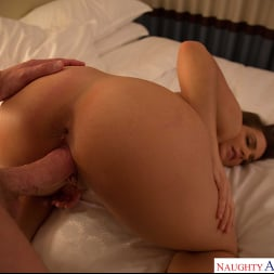 Natasha Nice in 'Naughty America' is one hot student in need for some financial help and cock (Thumbnail 39)