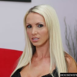 Nikki Benz in 'Naughty America' Housewife 1 on 1 (Thumbnail 112)