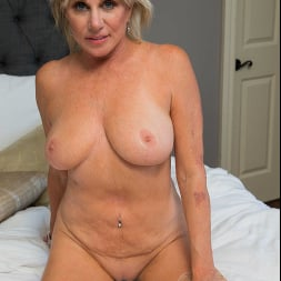 Payton Hall in 'Naughty America' Seduced By A Cougar (Thumbnail 117)