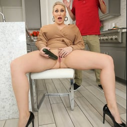 Ryan Keely in 'Naughty America' makes the delivery boy a cock sandwich between her tits!!! (Thumbnail 120)
