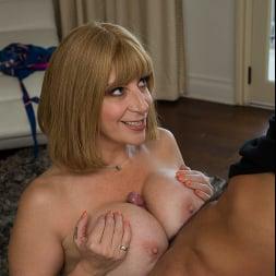 Sara Jay In 'Naughty America' My Friend's Hot Mom (Ein 14)
