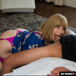 Sara Jay In 'Naughty America' My Friend's Hot Mom (Ein 195)
