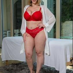 Sara Jay In 'Naughty America' wants a penetration massage!! (Ein 68)