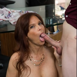 Syren De Mer in 'Naughty America' gets hard cock at the office (Thumbnail 52)