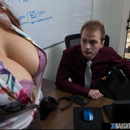Syren De Mer in 'Naughty America' gets hard cock at the office (Thumbnail 181)