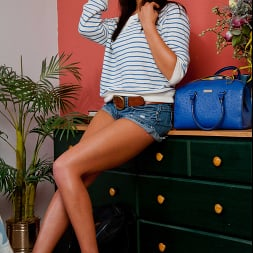 Tiffany Brookes in 'Naughty America' gets pumped for school (Thumbnail 1)