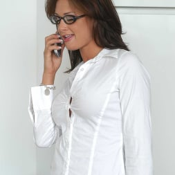 Tory Lane en 'Naughty America' learns that she'll have to do 'special' things to get ahead in the company (Miniatura 1)